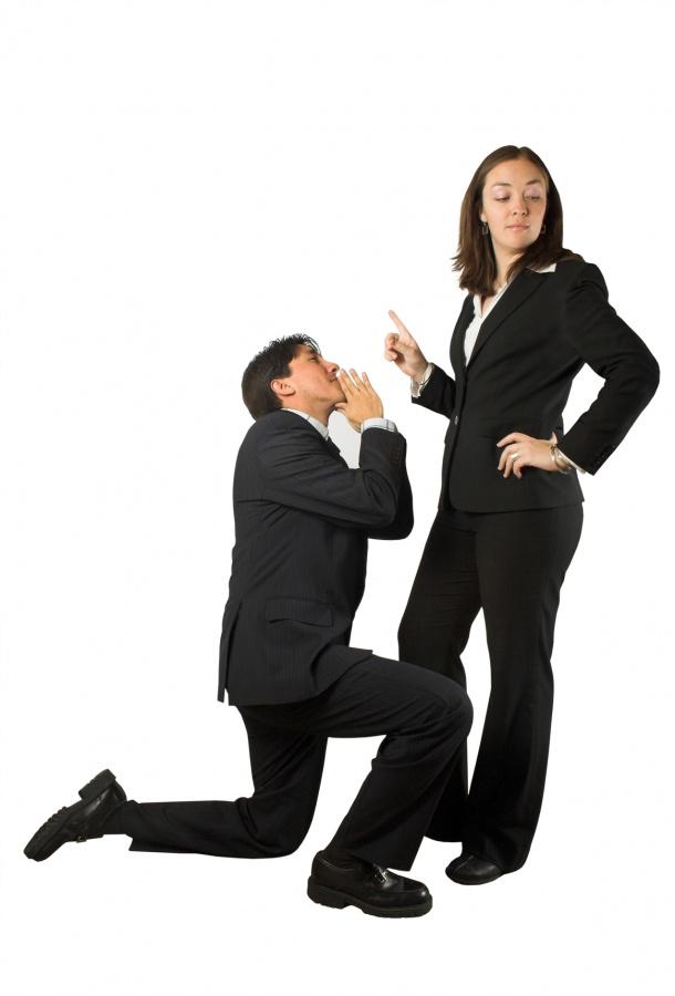 stockfresh_284408_business-begging-man-to-woman_sizeM