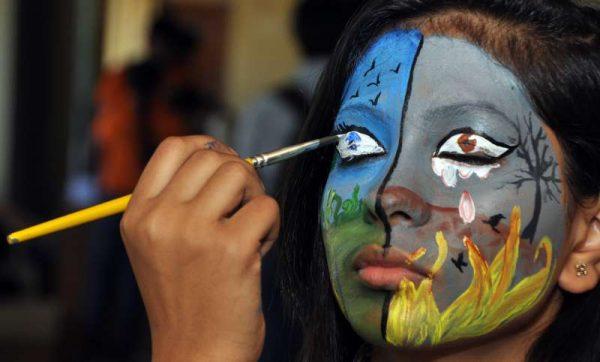 Peace Global UN paint student