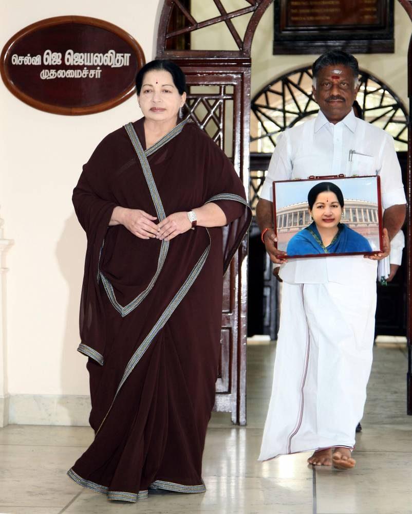 J jayalalithaa with O Panneerselvam