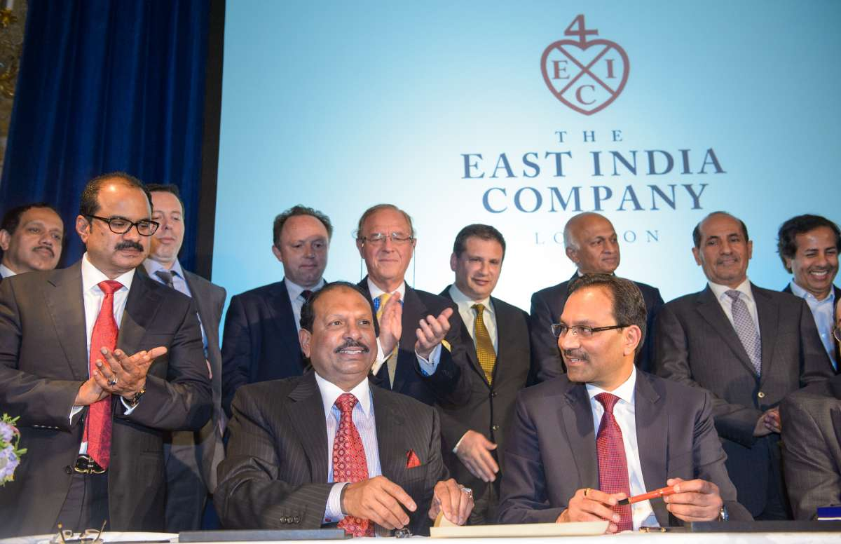 Sanjiv Mehta, Chairman of The East India Company and Yusuff Ali, Managing Director, LuLu Group sign an historic investment partnership to allow the expansion of the centuries old trading company's global brand in London today, Wednesday 8th October. The formal document was sealed in wax with the East India Company's crest.