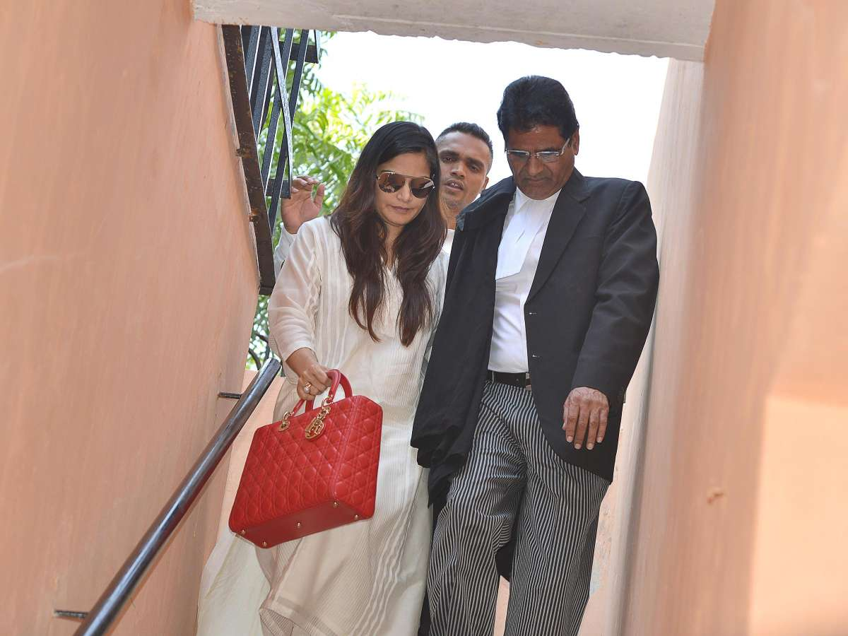 Jodhpur: Actor Salman Khan's sister Alvira Khan arrives at Jodhpur Court to stand by her brother, who is appearing before the court in connection with 1998 blackbuck poaching case, on Nov 14, 2014. (Photo: IANS)