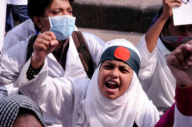 (WORLD SECTION) BANGLADESH-DHAKA-STUDENT-PROTEST