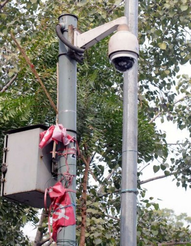 CCTVs installed on a pole at Jantar Mantar in New Delhi, on Jan 20, 2015. 15,000 CCTV cameras have been installed ahead of US President Barack Obama's visit to the national capital.