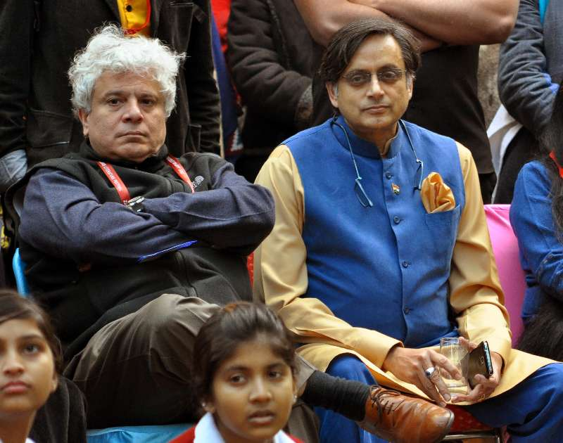 Shashi Tharoor and author Suhel Seth during the Jaipur Literature Festival in Jaipur (File)
