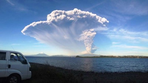 Calbuco volcano after its eruption on April 22, 2015. The Chilean government has decreed the evacuation of some 1,500 people living in the vicinity of the volcano.
