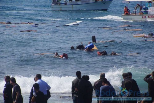 Rescue operations are carried out on Rhodes island, Greece, April 20, 2015. A vessel carrying approximately 200 irregular migrants sank off the coasts of Rhodes island in southeastern Aegean Sea on Monday, local authorities said.