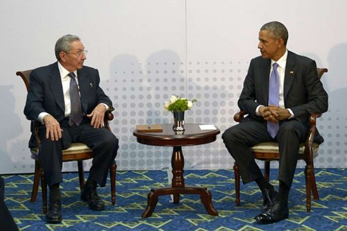 Cuban leader Raul Castro meets with U.S. President Barack Obama (R) on the sidelines of the 7th Summit of the Americas in Panama City, capital of Panama, on April 11, 2015. U.S. and Cuban leaders held first face-to-face talks in over half a century on Saturday in Panama City, amid detente between the two nations.