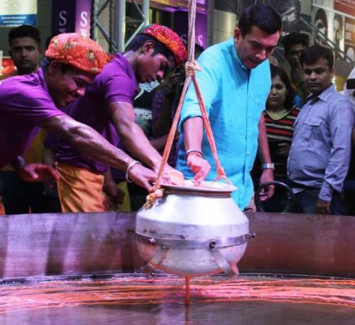 Sanjeev kapoor making of Imarti
