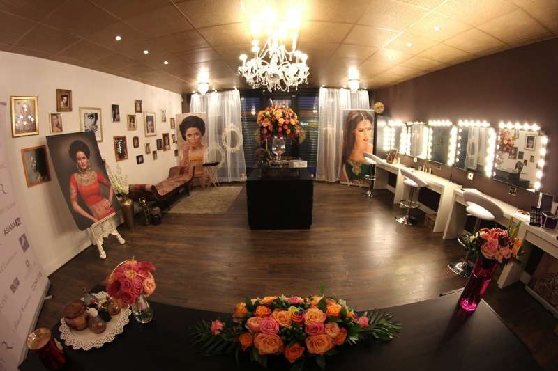 Roshni Hair and Makeup Training School Studio