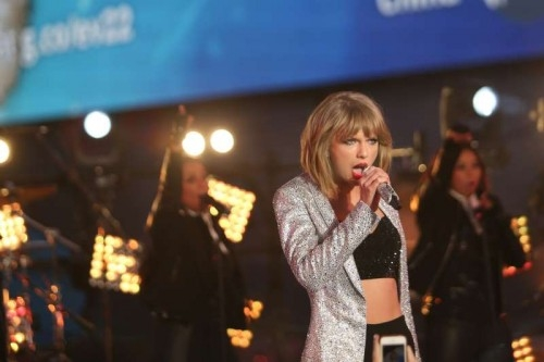 Singer Taylor