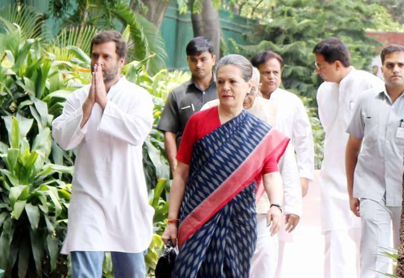 Congress president Sonia Gandhi and vice president Rahul Gandhi arrive to attend a party meeting in New Delhi (file)