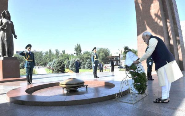 Prime Minister Narendra Modi lays wreath at Victory Monument, in Victory Square, Bishkek, Kyrgyzstan on July 12, 2015.