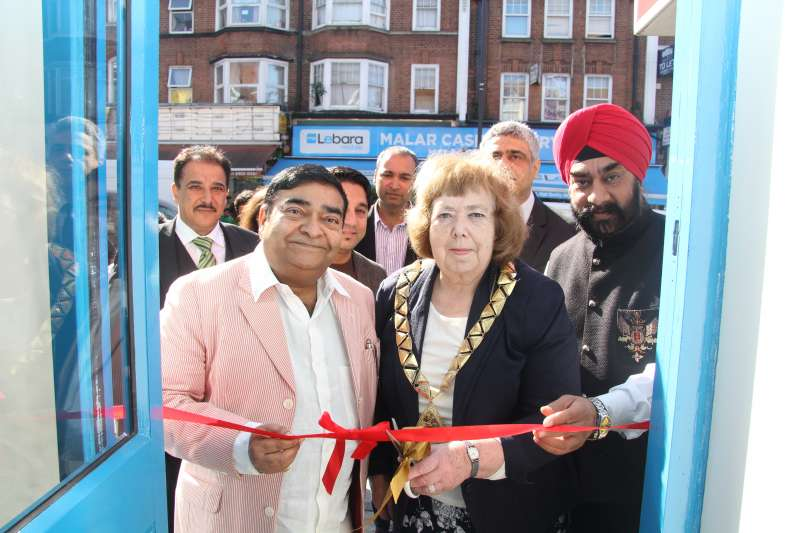 Brent Mayor Councillor Lesley Jones opening the first clinic of Dr Batra's  at Wembley in the presence of Dr Mukesh Batra , founder and Chairman of Dr Batra's