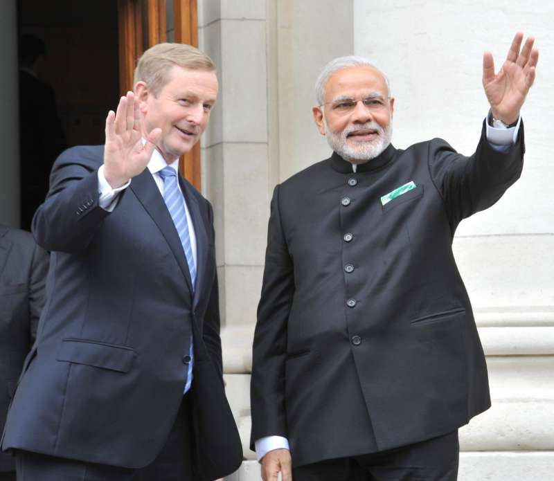Modi being welcomed by Prime Minister of Ireland Mr. Enda Kenny
