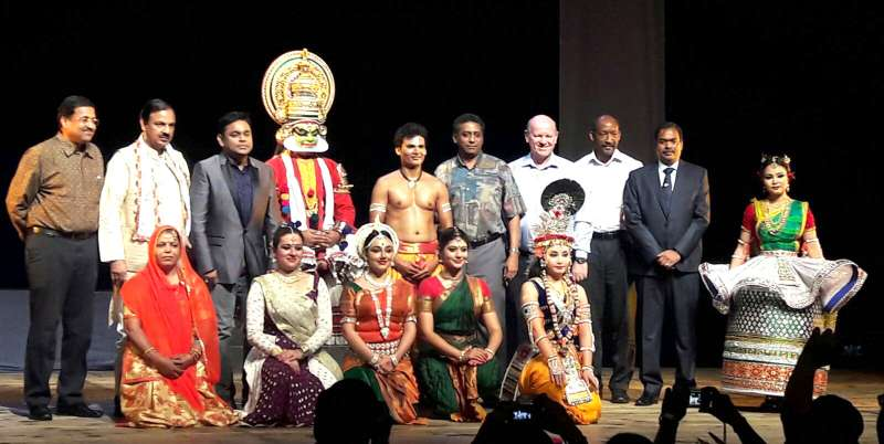 Indian Tourism Minister Dr. Mahesh Sharma with the Classical Indian Dance group 'Nritya Rupa', at the inauguration of the Festival of India, in Seychelles