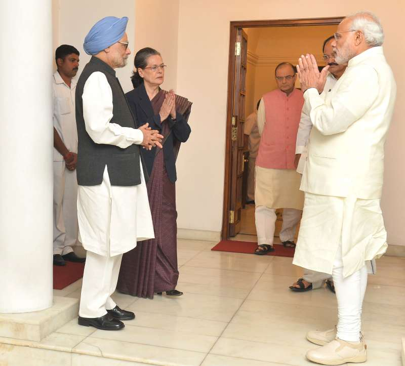 Modi and Jaitley meet  Manmohan Singh and the Congress President, Smt. Sonia Gandhi, in New Delhi