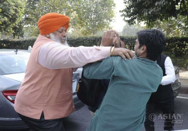 A student under attack at Patiala Court