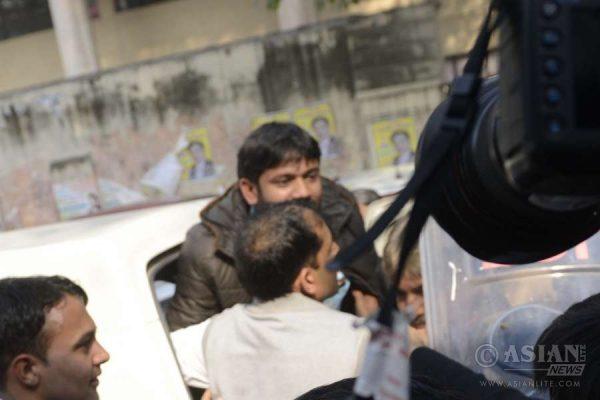 JNU student's union president Kanhaiya Kumar arrives in teh court