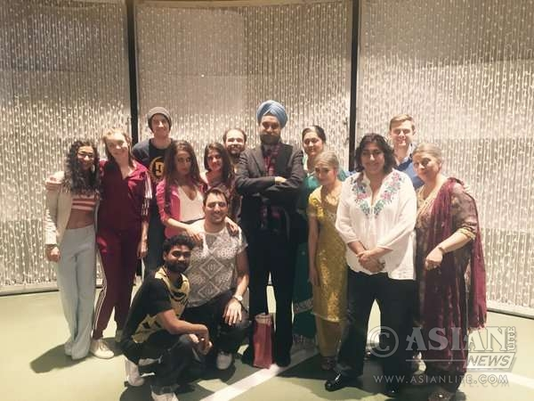 Indian High Commissioner Navtej Singh Sarna with Gurnider Chadha and the team of Bend It Like -The Musical