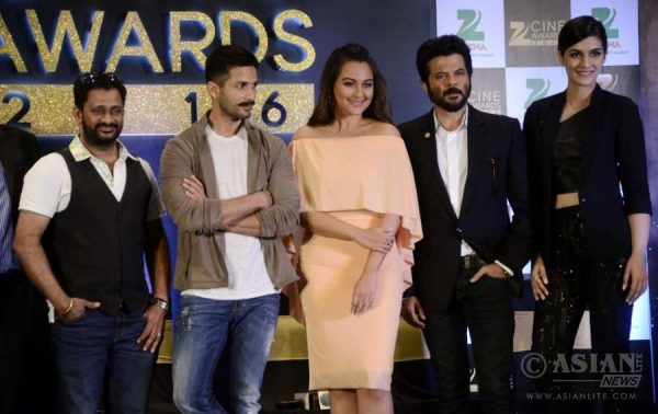 Zee Cine Awards is going to held in Mumbai on 20th February 2016
