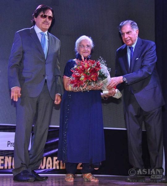 Sanjay Khan, Kamini Kaushal and Ratan Tata  (file)