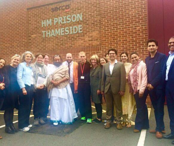 Sri Sri visits the HM Prison in Thameside, one of the prisons where the Art of Living conducts regular programs; the Prison SMART. HE engaged with the prison in-mates and the management team