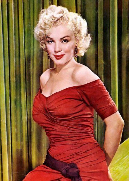 Marilyn Monroe at the beginning of her stardom Marilyn Monroe at the beginning of her stardom