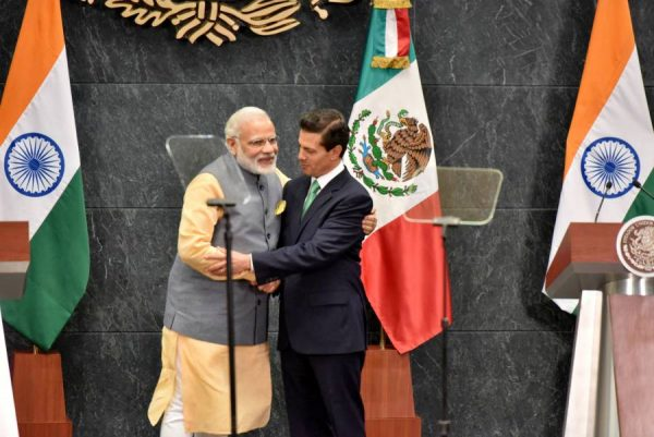 Modi at joint media briefing with the President of Mexico, Mr. Enrique Peaa Nieto, at the official residence of Los Pinos, in Mexico