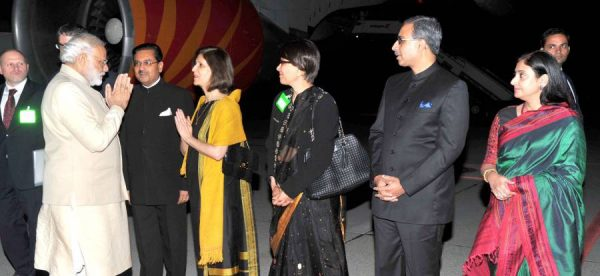 Modi being received on his arrival at Geneva International Airport, Switzerland