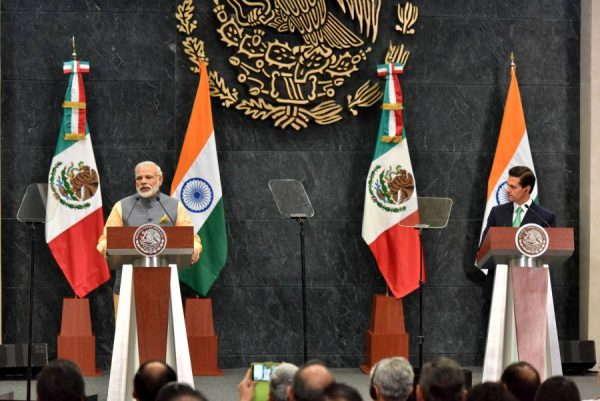 Modi delivering his statement to the media in joint media briefing with the President of Mexico, Mr. Enrique Peaa Nieto, at the official residence of Los Pinos, in Mexico