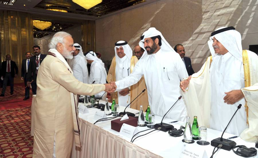Modi with the Business Leaders during a Round Table meeting, at Doha, Qatar