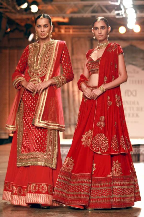 INDIA COUTURE WEEK IN DELHI: Asian Lite Newsdesk compiles some images from fashion designer Reynu Taandon's display at India Couture Week 2016, in New Delhi