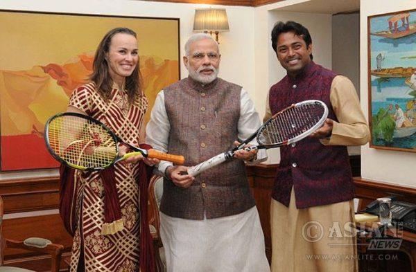 Leander_Paes_and_Martina_Hingis_with_Prime_Minister_Narendra_Modi