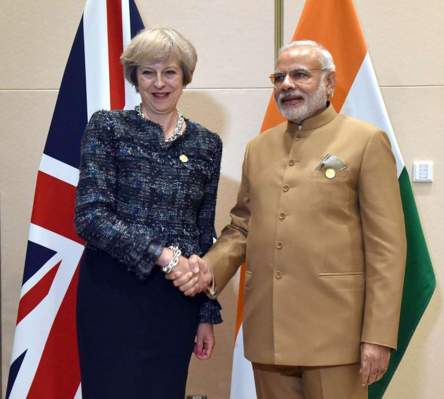 Modi with British Prime Minister  Theresa May on the sidelines of G20 Summit 2016, in Hangzhou, China