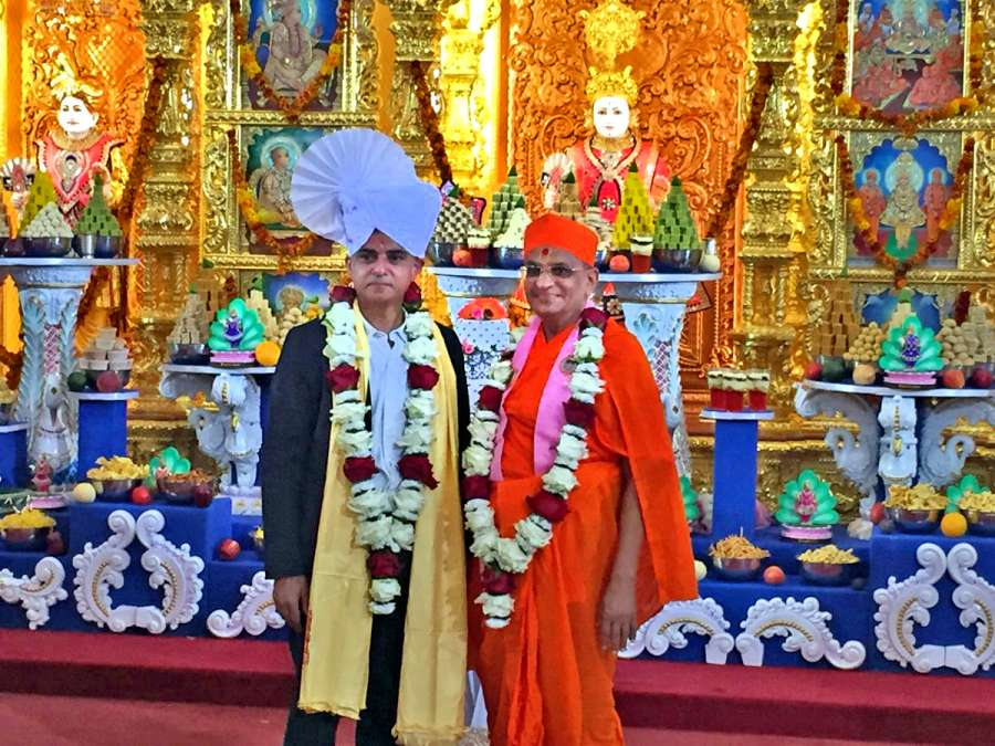 Said Khan with spiritual leader Acharya Swamishree Maharaj at  Shree Swaminarayan Mandir in Kingsbury, north west London