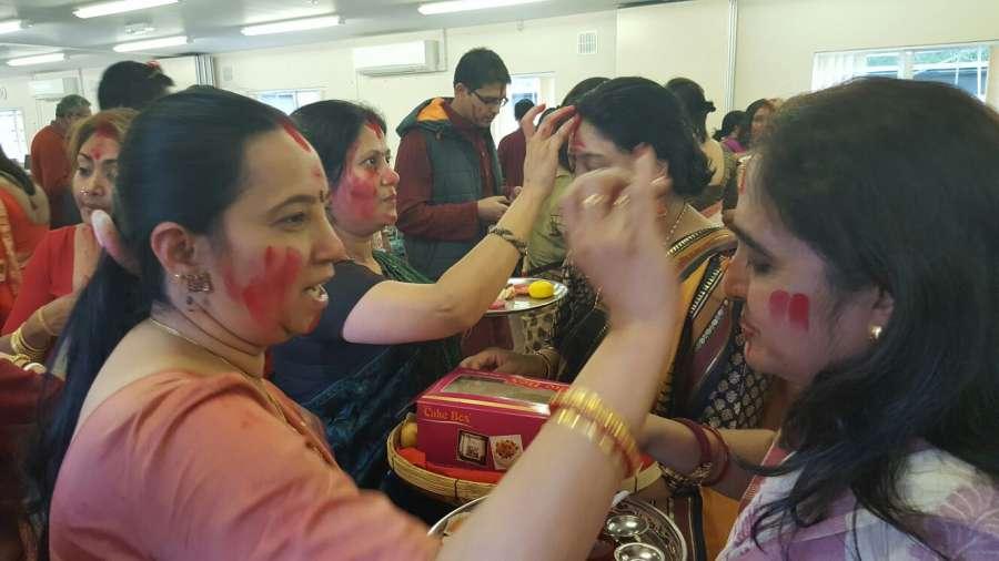 Devotees at the Panchamukhee Durga Utsav 2016