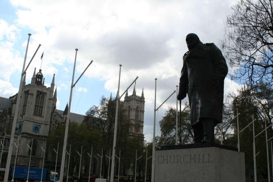 Churchil at parliament Square London