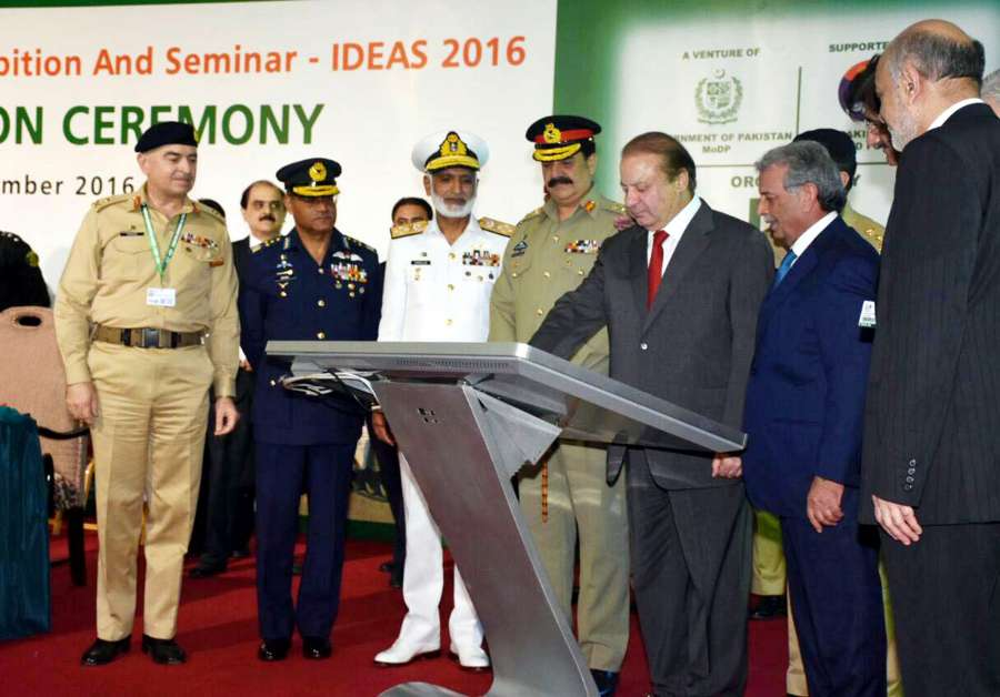 Pakistan Prime Minister Nawaz Sharif with top officers at a defence exhibition