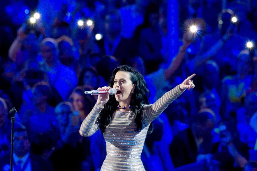 PHILADELPHIA, July 29, 2016 (Xinhua) -- Singer Katy Perry performs on the last day of the 2016 Democratic National Convention in Philadelphia, Pennsylvania, the United States, July 28, 2016. (Xinhua/Li Muzi/IANS)