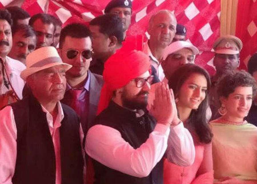 Haryana: Actor Aamir Khan during a wedding ceremony of wrestler Geeta Phogat at Balali village, in Haryana, on Nov. 20, 2016. (Photo: IANS)