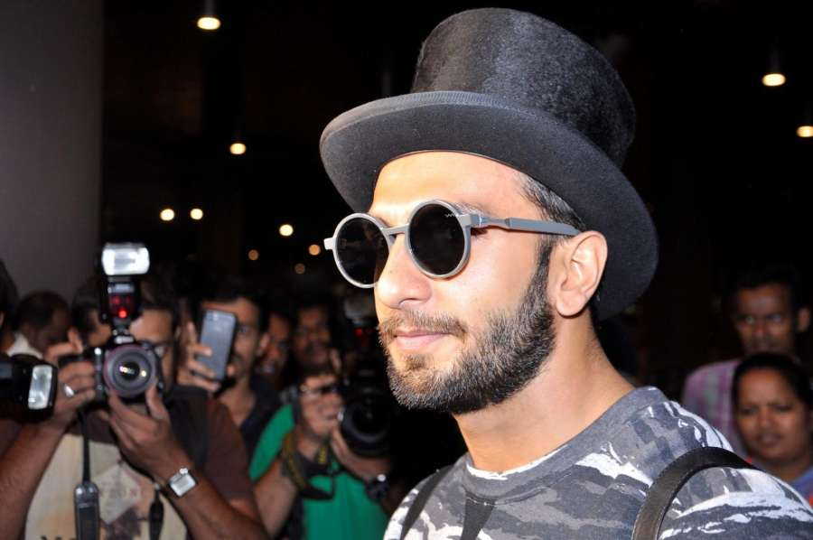 Mumbai: Actor Ranveer Singh spotted at Airport in Mumbai on July 14, 2016. (Photo: IANS)