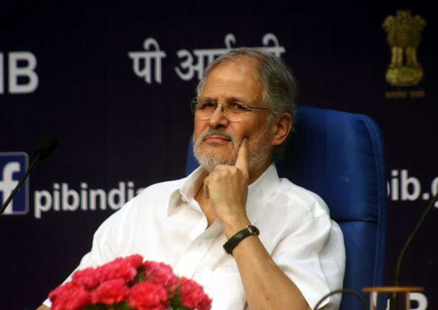 New Delhi: Delhi Lieutenant Governor Najeeb Jung along with Delhi Police CP Alok Kumar Verma and other officers at the launch mobile application for safety and security of senior citizens on the occasion of International Senior Citizens Day in New Delhi on Oct. 1, 2016. (Photo: IANS)