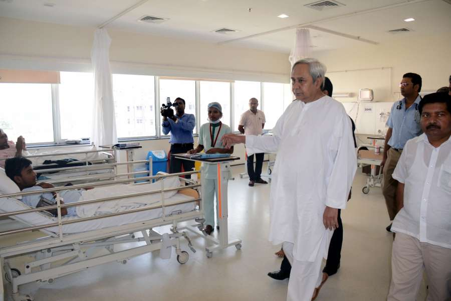 Bhubaneswar: Odisha Chief Minister Naveen Patnaik visits Institute of Medical Sciences and SUM Hospital where a fire broke out killing 22 people in Bhubaneswar on Oct 18, 2016. (Photo: IANS)