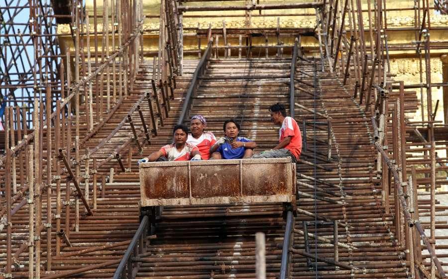 NEPAL-KATHMANDU-BOUDHANATH STUPA-RECONSTRUCTION