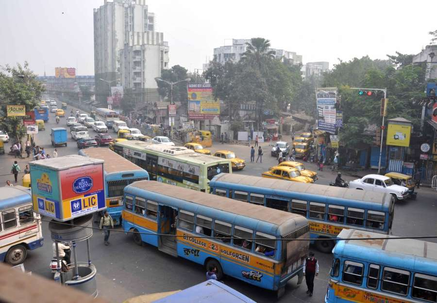 Kolkata: A view of Kolkata roads during the 12-hour general strike called by 18 Left and other parties against demonetisation in Kolkata, on Nov 28, 2016. (Photo: Kuntal Chakrabarty/IANS)