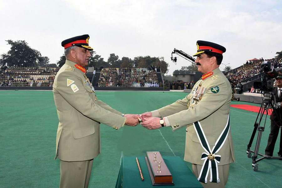 (WORLD SECTION) PAKISTAN-RAWALPINDI-ARMY-CHANGE OF COMMAND by .