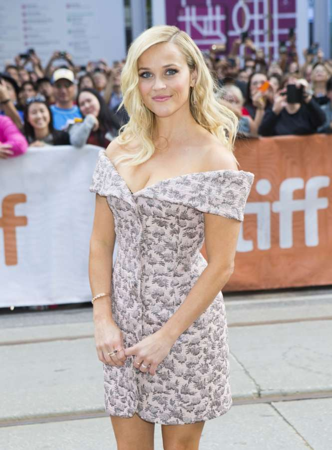 "TORONTO, Sept. 12, 2016 (Xinhua) -- Actress Reese Witherspoon attends the world premiere of the film ""Sing"" at Princess of Wales Theatre during the 41st Toronto International Film Festival in Toronto, Canada, Sept. 11, 2016. (Xinhua/Zou Zheng/IANS) by ."