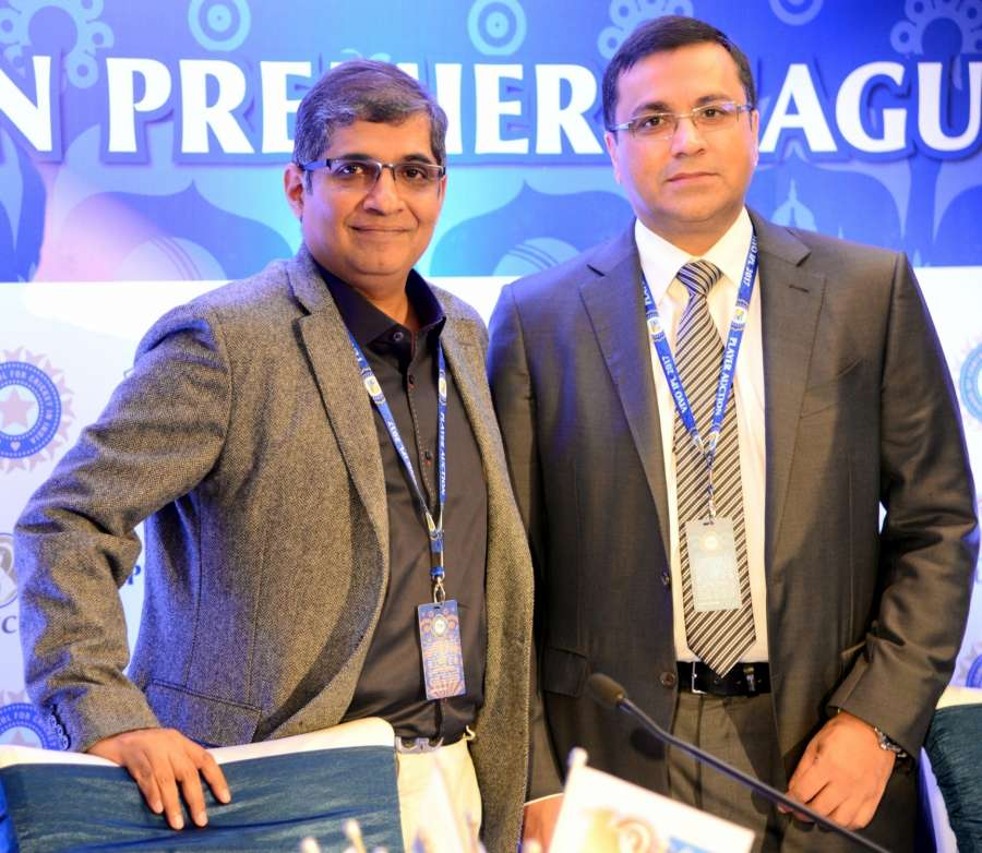 Bengaluru: RCB Chairman Amrit Thomas and BCCI CEO Rahul Johri during a press conference at 2017 IPL Auctions in Bengaluru on Feb 20, 2017. (Photo: IANS) by .