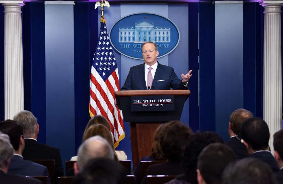 U.S.-WASHINGTON D.C.-SEAN SPICER-NEWS BRIEFING by .