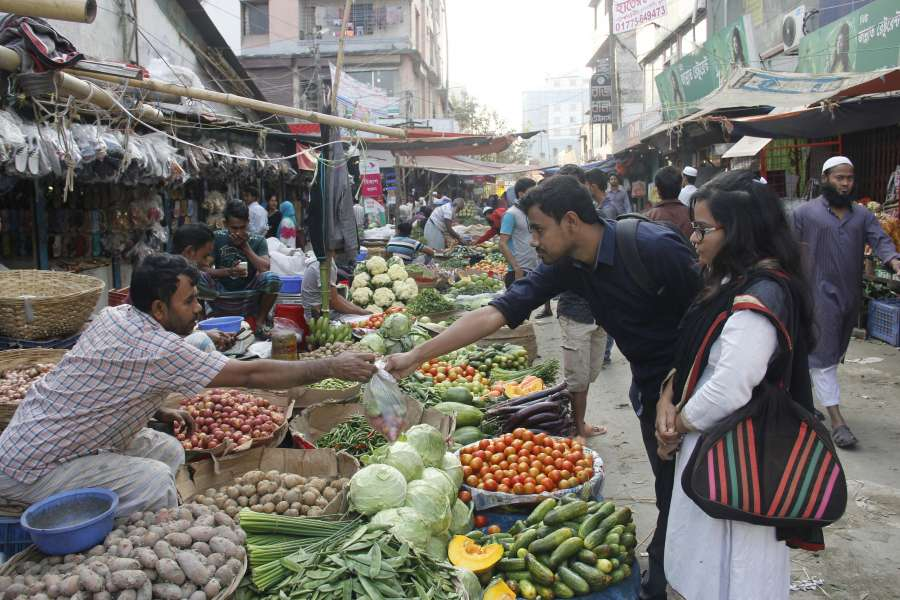 (WORLD SECTION) BANGLADESH-DHAKA-INFLATION by .